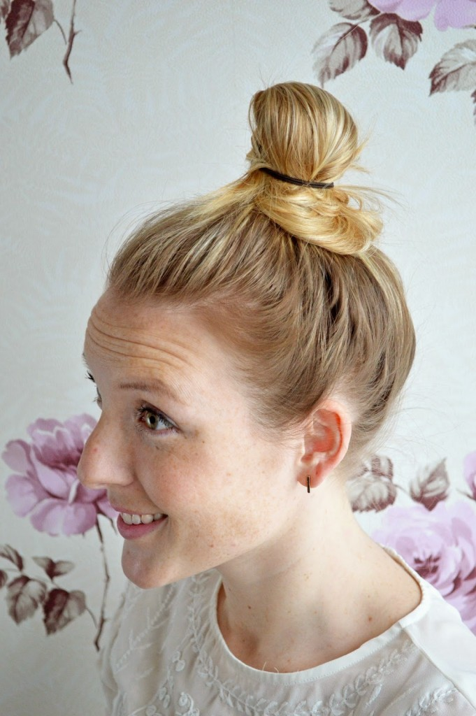 simple top knot bun hairstyle