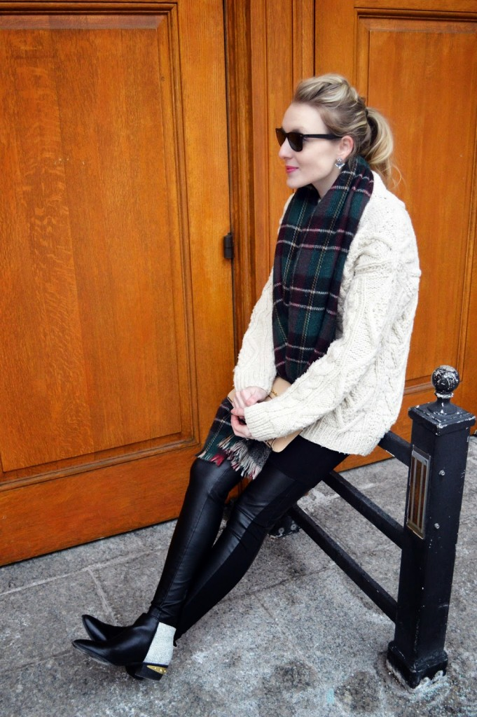 oversized vintage sweater and leather leggings