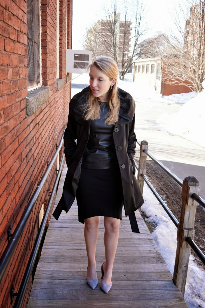 monochromatic all black outfit
