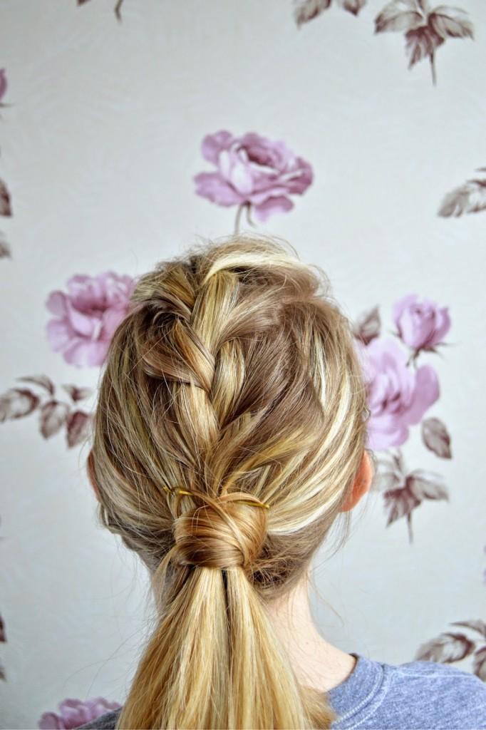 easy tutorial for medium hair