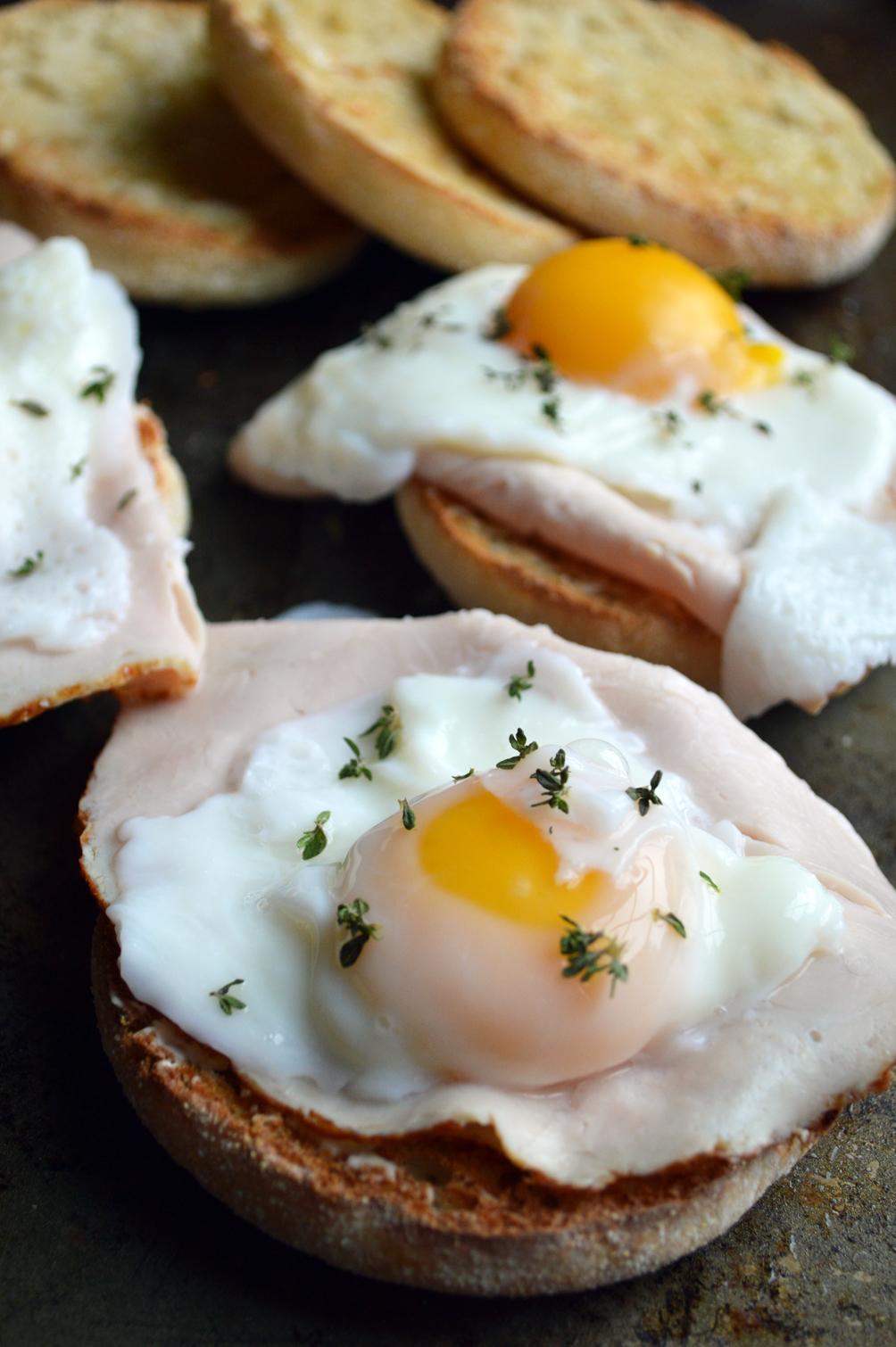 turkey egg and cheese breakfast sandwich