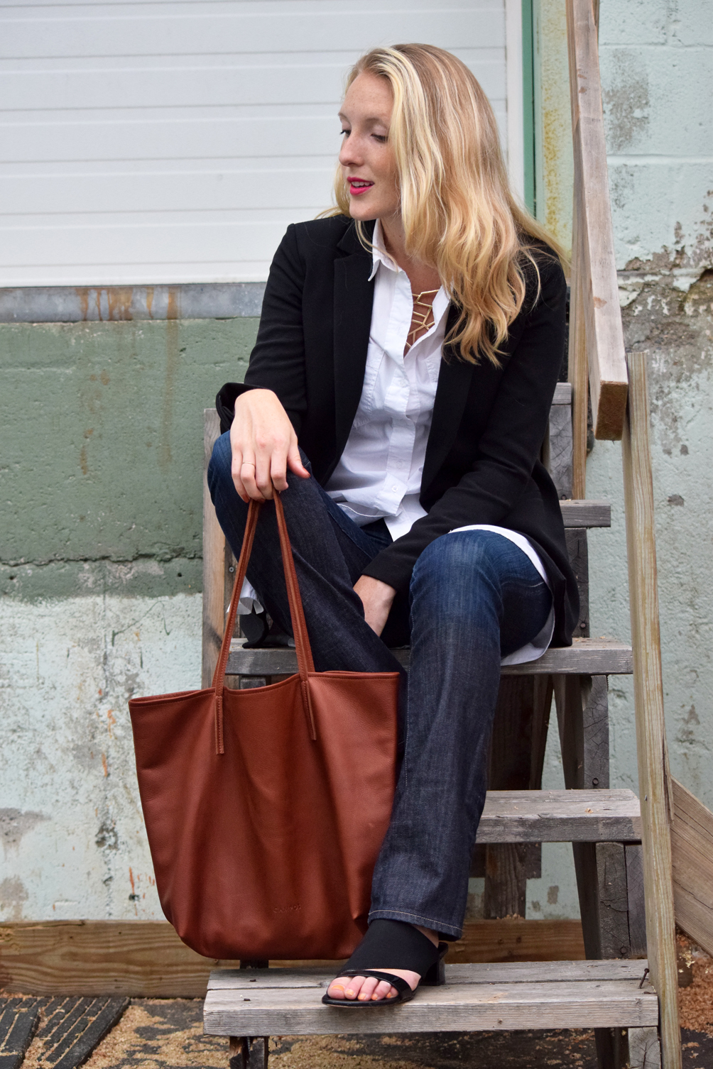 fall outfit ideas with a blazer and flare jeans