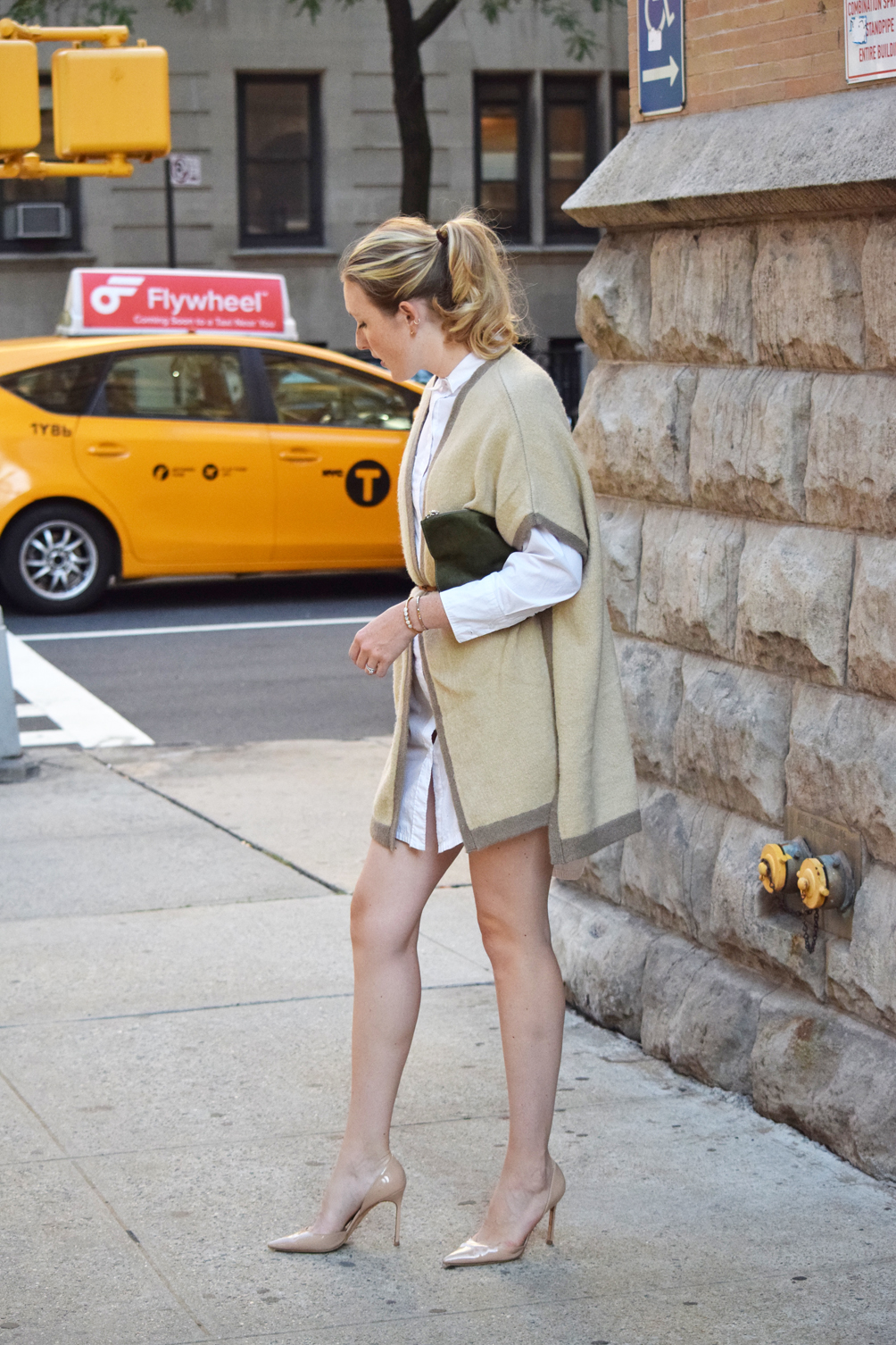 neutral fall outfit with Manolo Blahnik heels