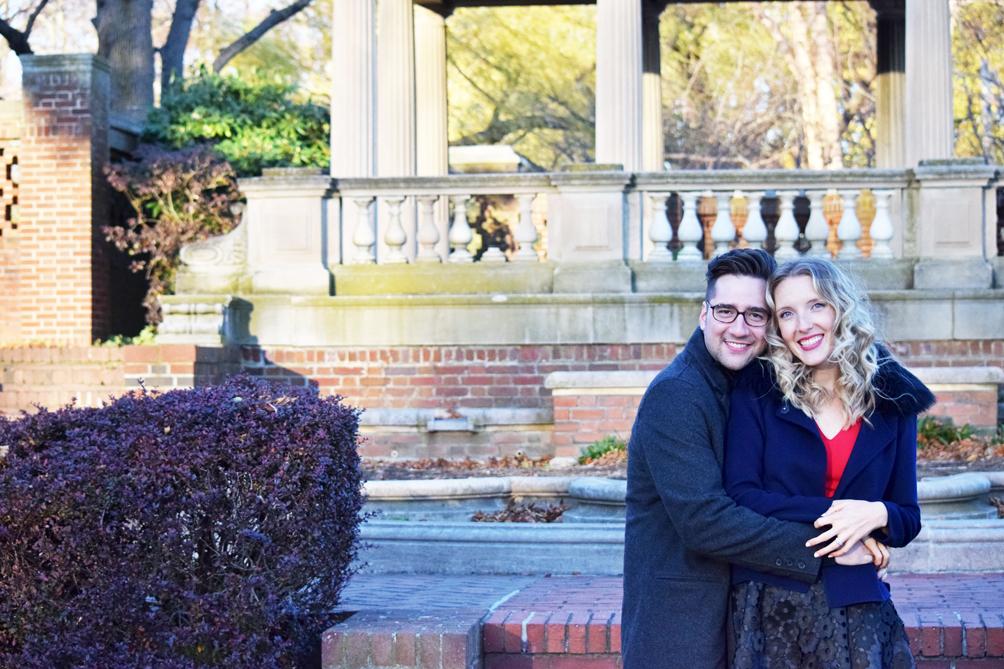couples holiday photo ideas