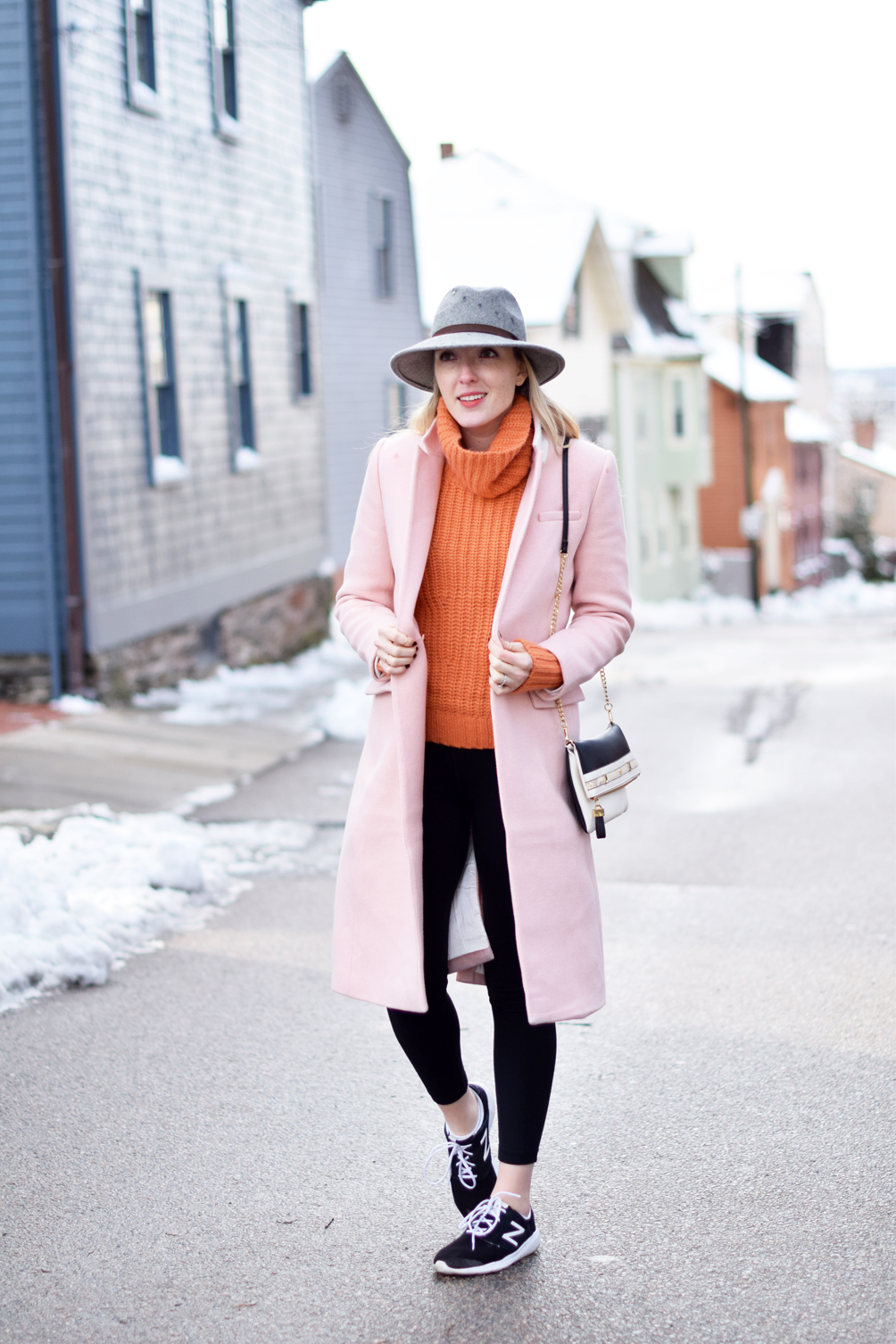 women's winter athleisure outfit ideas