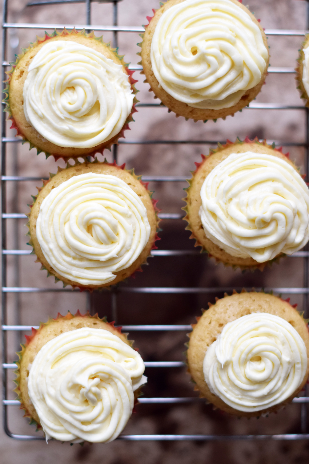 piped cupcake cream cheese frosting - one brass fox
