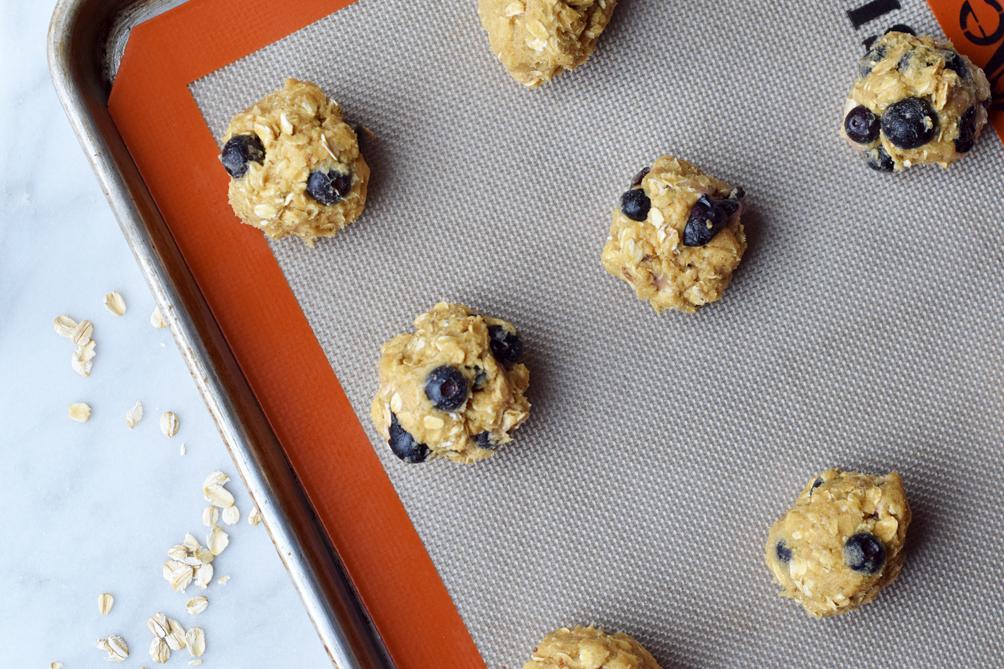 easy oatmeal cookies recipe - one brass fox