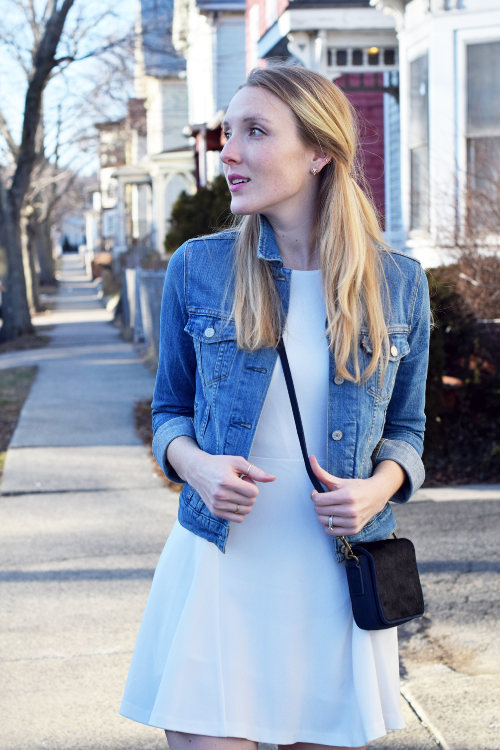jean jacket outfit for spring and summer - one brass fox