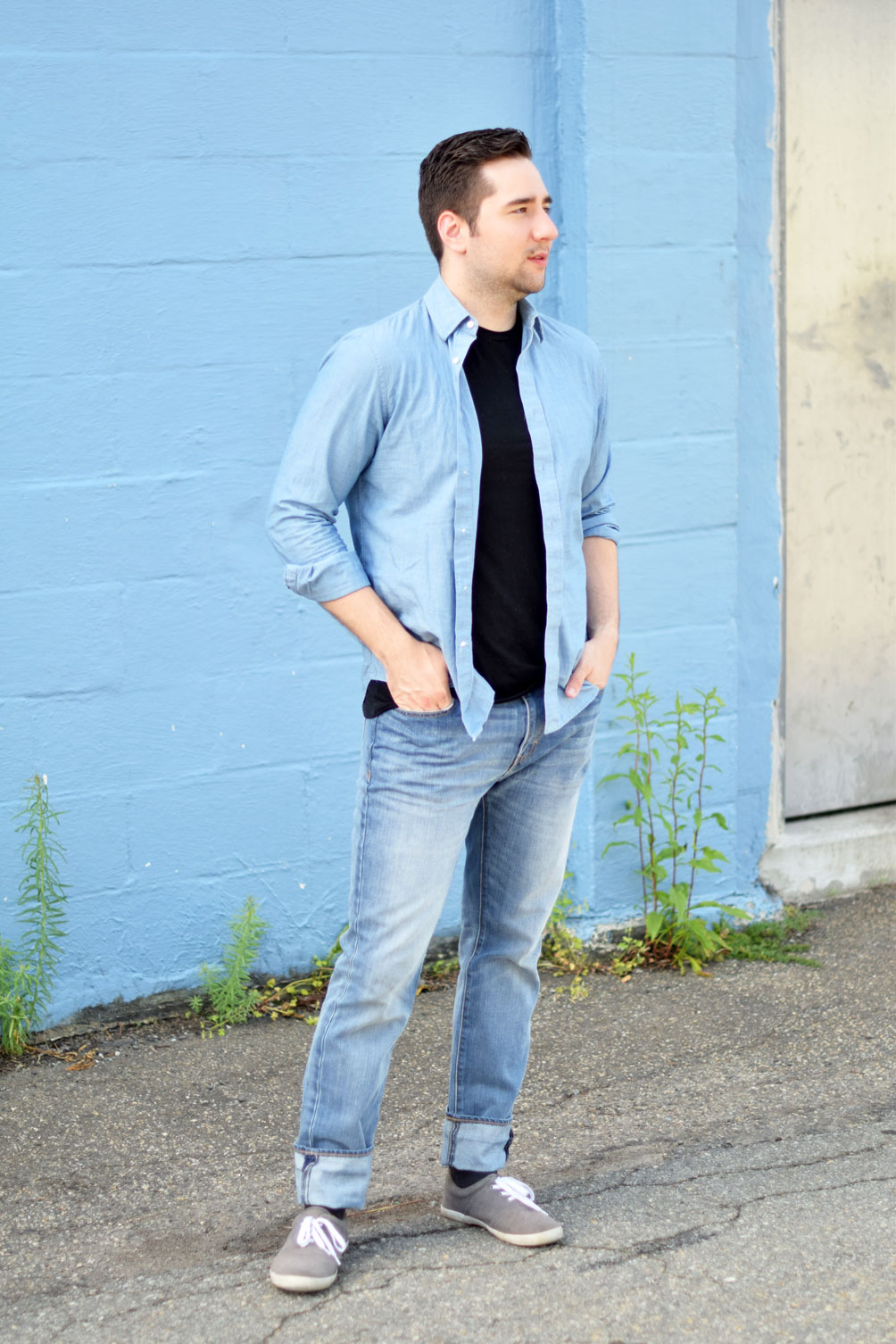 men's summer fashion outfit inspiration from one brass fox - cuffed chambray shirt with skinny jeans and sneakers