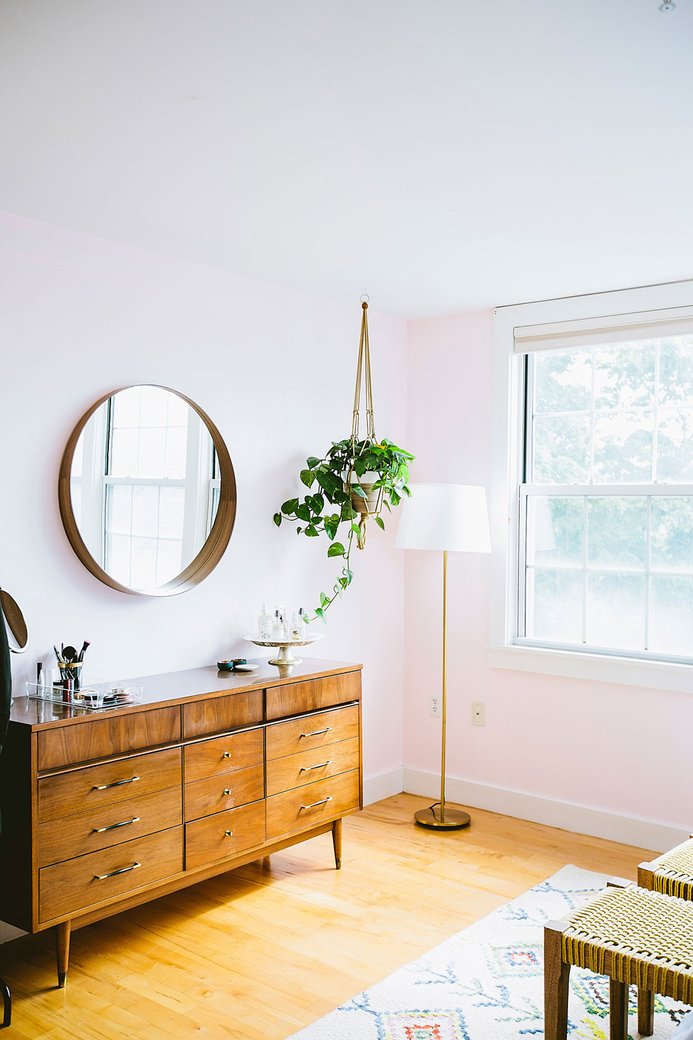 Leslie Musser of one brass fox shares her decor advice on decorating with houseplants