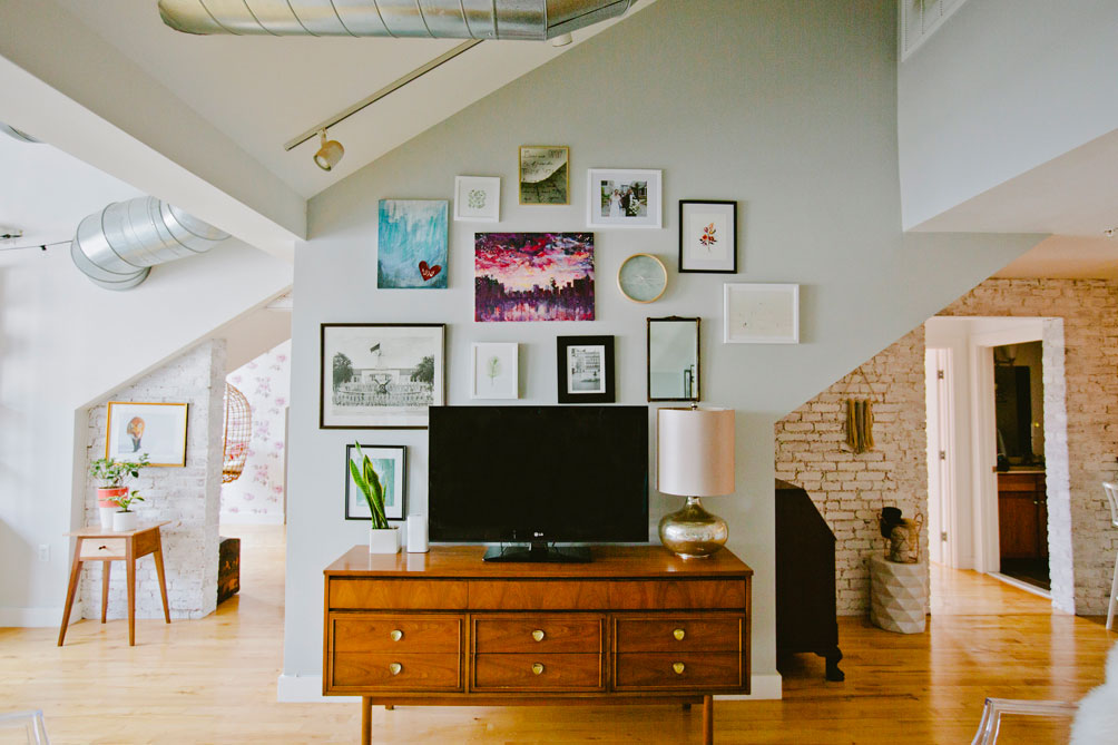 how-to-create-a-gallery-wall-1