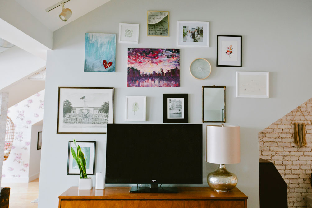 Leslie Musser of one brass fox shares her decor tips on how to create a gallery wall