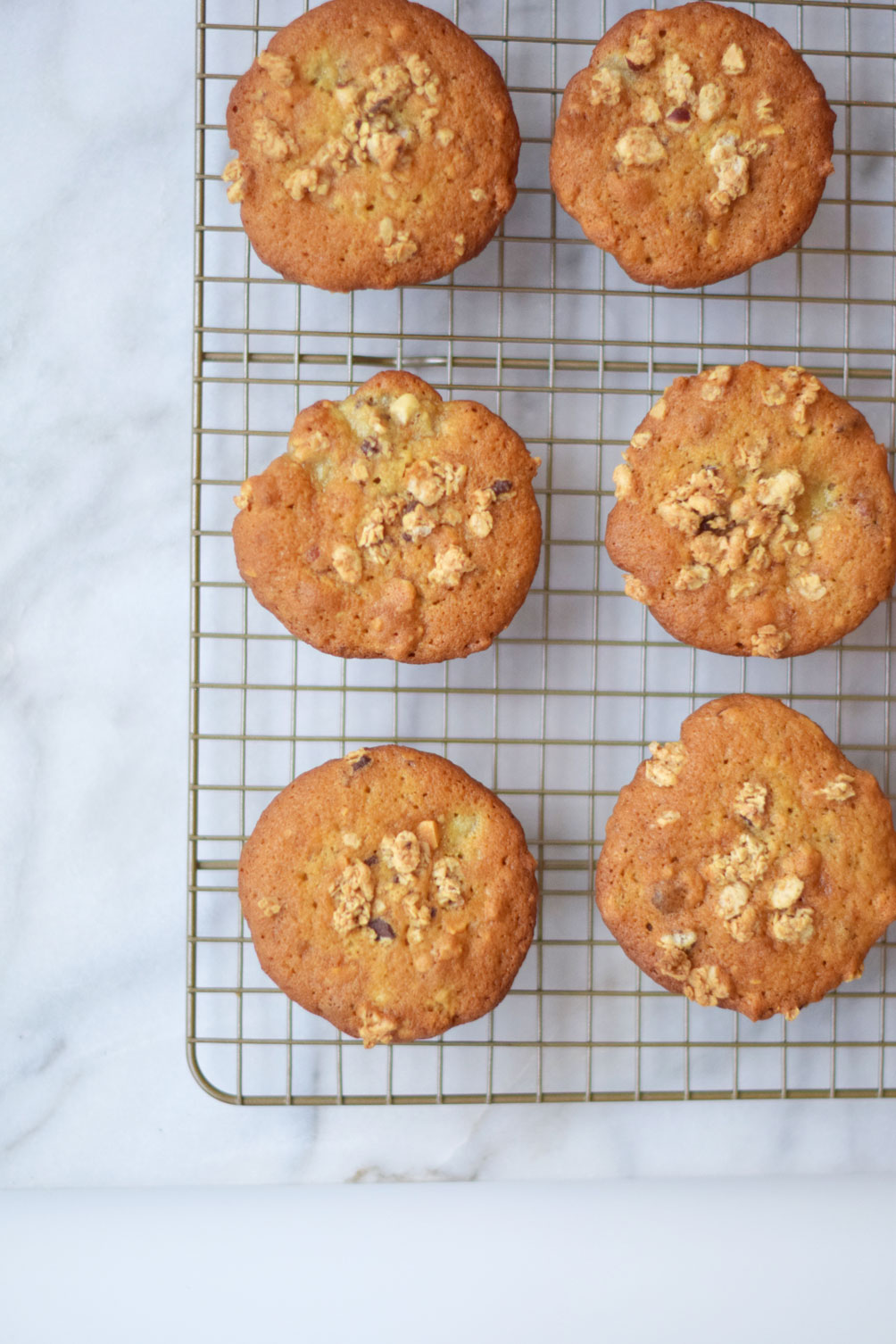 a healthy and delicious breakfast recipe for banana nut crunch muffins from Leslie Musser of one brass fox