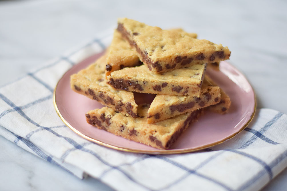 easy dessert recipe for chocolate chip cookie brittle by Leslie Musser ...