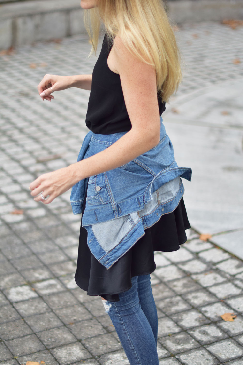 early fall style inspiration from fashion blogger Leslie Musser of one brass fox with distressed layered denim and a swing dress
