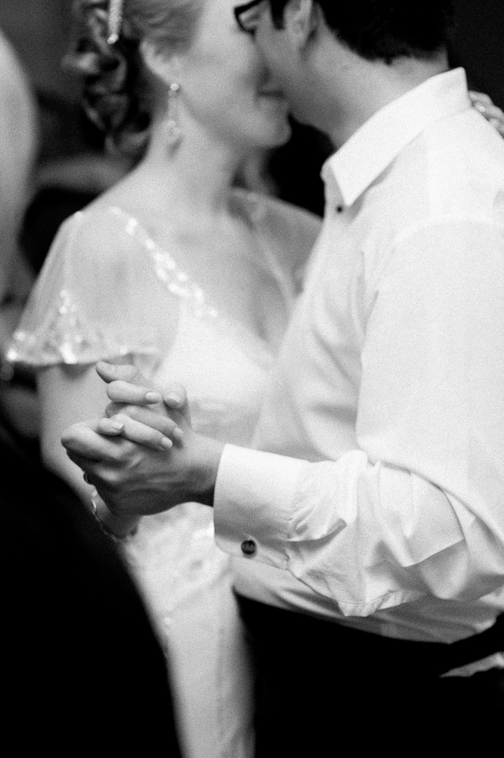 black and white wedding photos from blogger Leslie Musser of one brass fox on their their three year anniversary