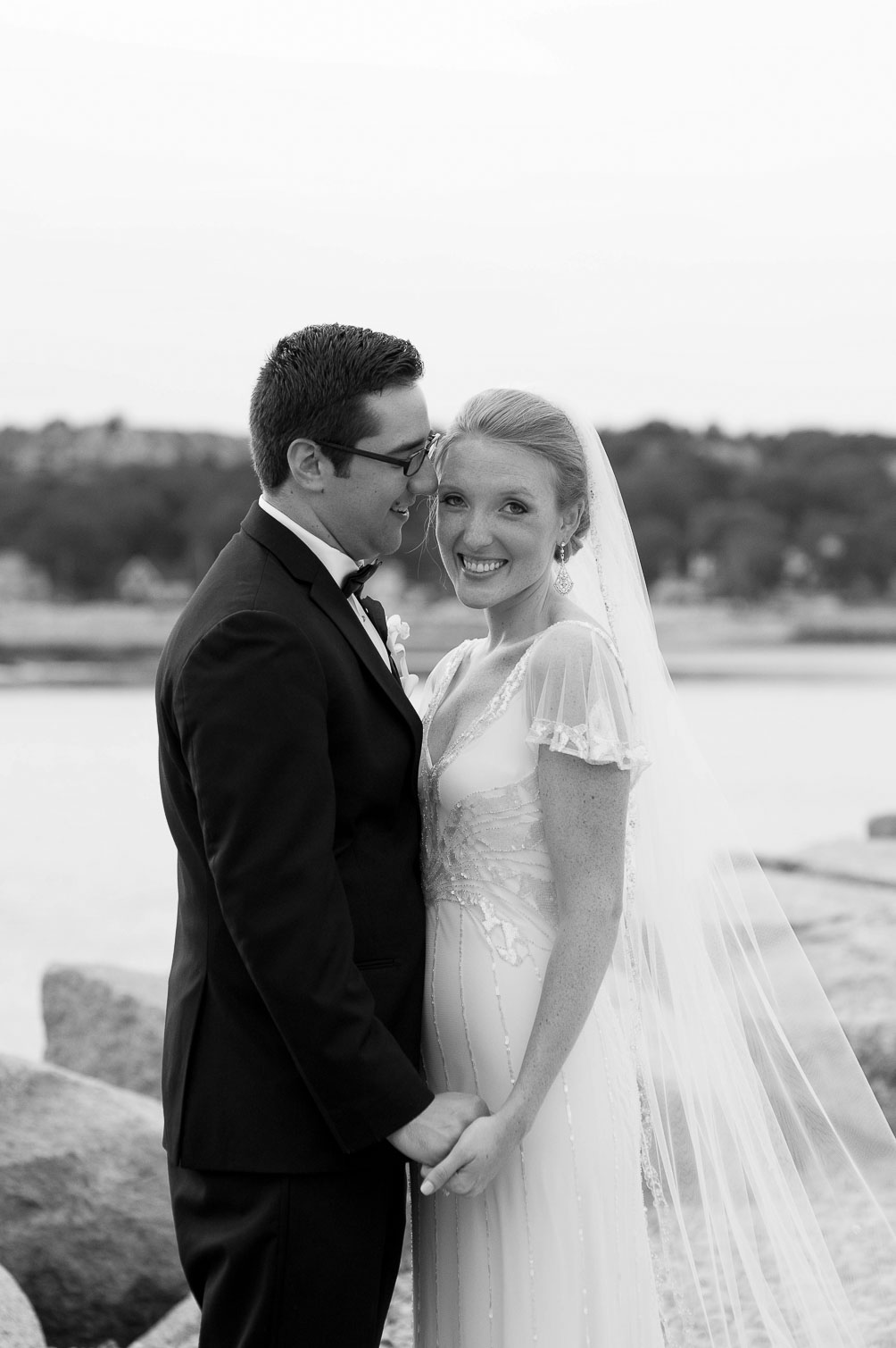 wedding photos of fashion blogger Leslie Musser wearing Jenny Packham Foxglove