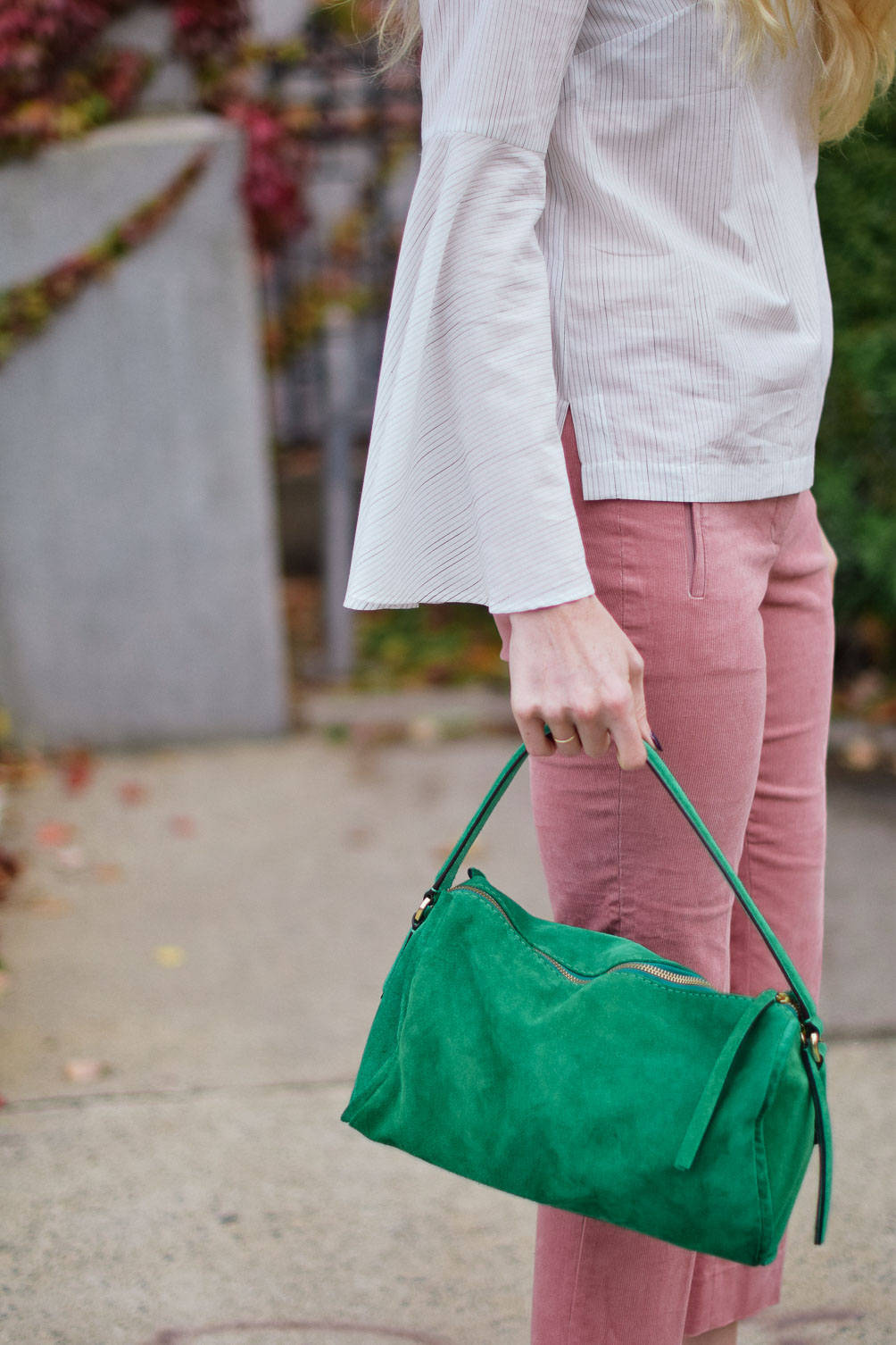 Banana Republic emerald tote bag on one brass fox