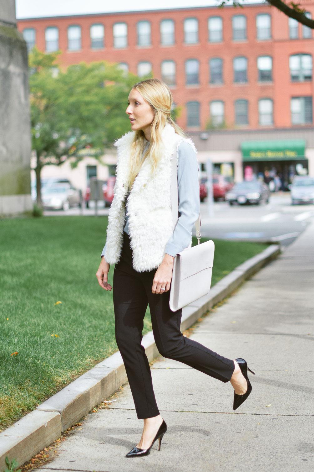shearling-vest-wear-to-work-12