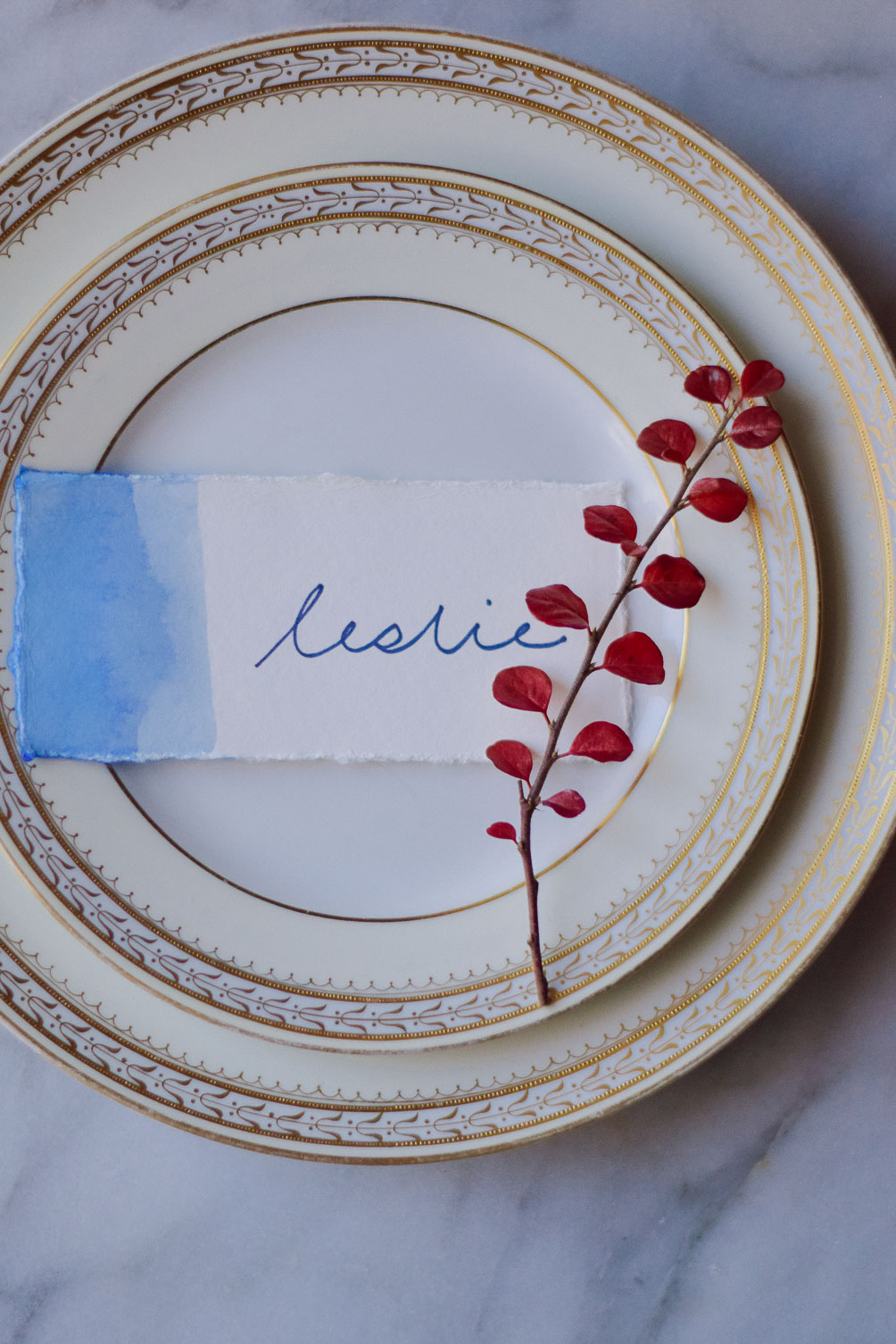 DIY watercolor placecards with an ombre effect for the Thanksgiving tablescape decor