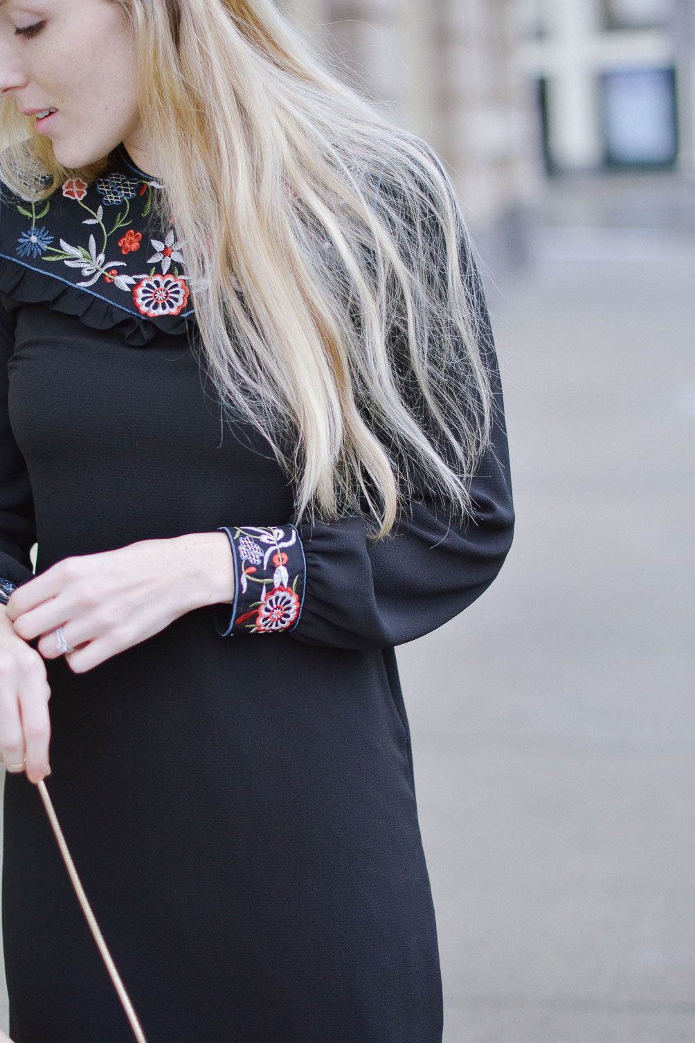 styling this New Year's Even outfit inspiration with embroidered shift dress