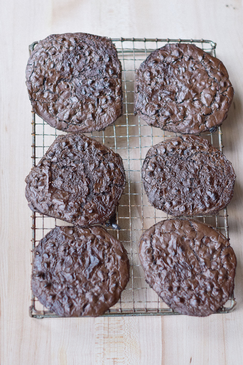 easy and delicious gluten free dessert recipe for flourless fudge cookies