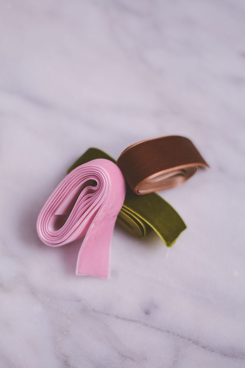 diy velvet hair tie ribbon