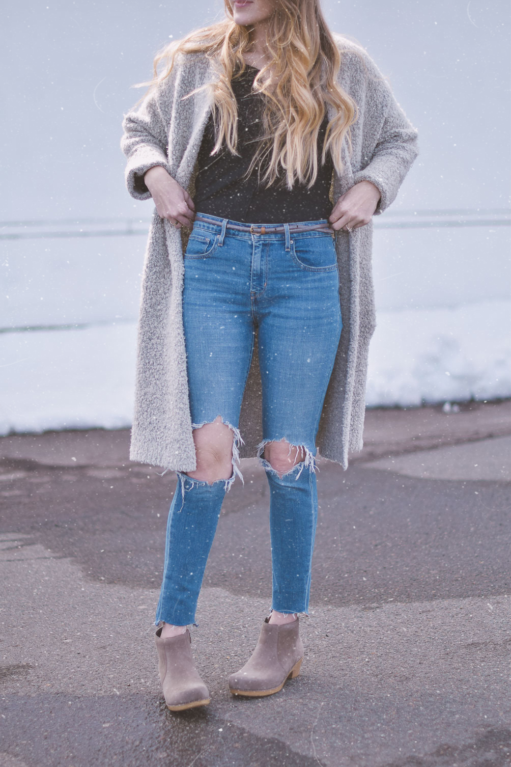 sharing a fashion tutorial just in time for spring with these diy ram hem jeans