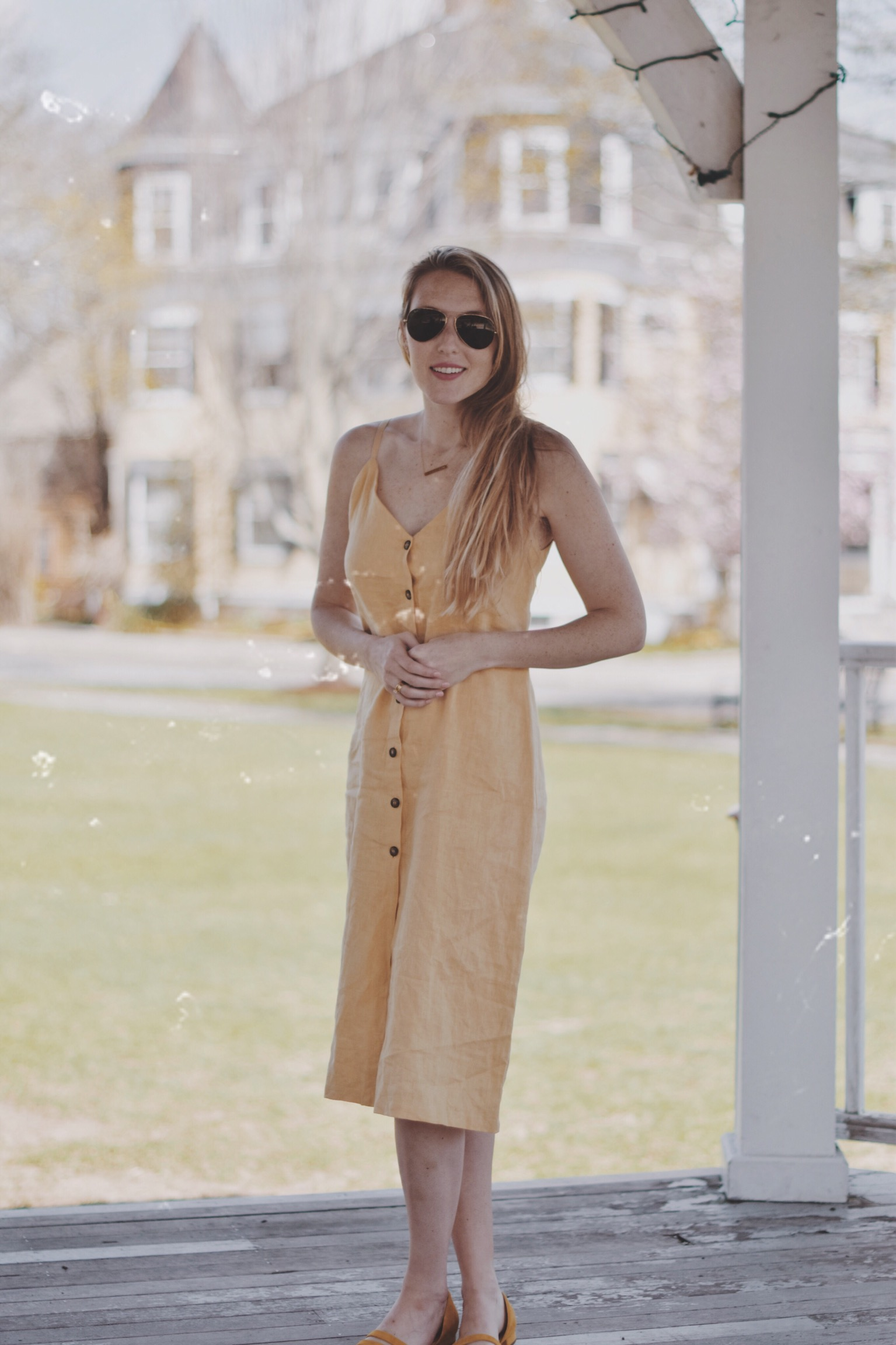 styling a canary yellow linen dress from Reformation as part of my summer capsule wardrobe