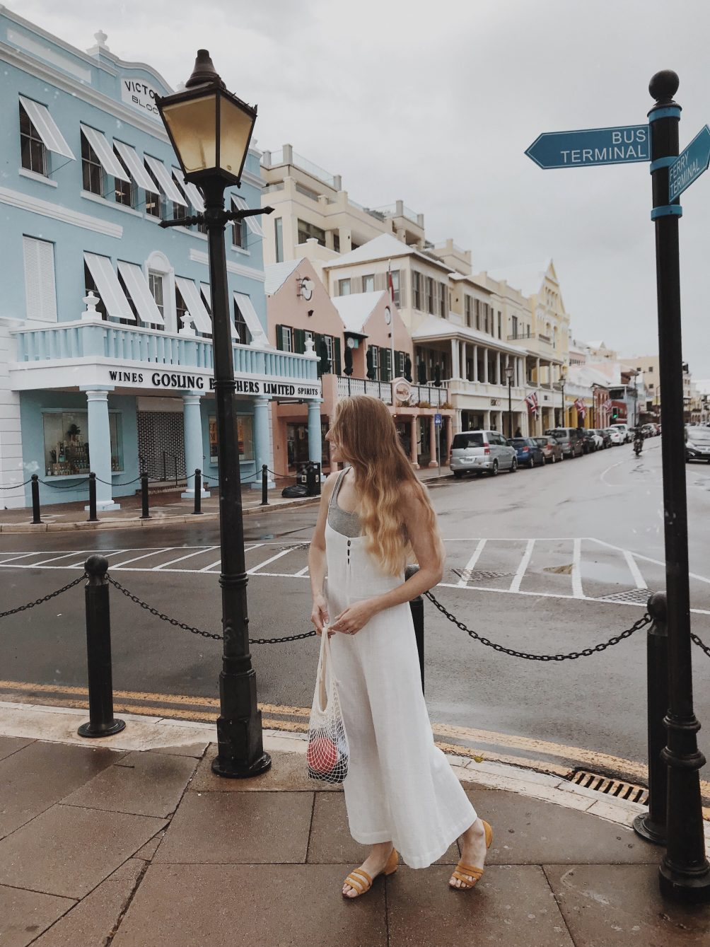 travel and lifestyle blogger leslie musser sharing her recent Bermuda family vacation at Hamilton Princess